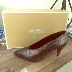 Micheal KoRs pumps worn only once!